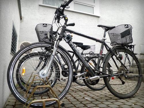 Môžete k nám do Mlynskej doliny v pohode aj dopedálovať. Máme pred firmou  nový stojan s miestom aj pre vaše bicykle. 471467d9d46